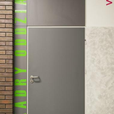 Modernizacja wnętrz korytarzy w ZS Nr 7 w Kaliszu | Wiekiera Architekci